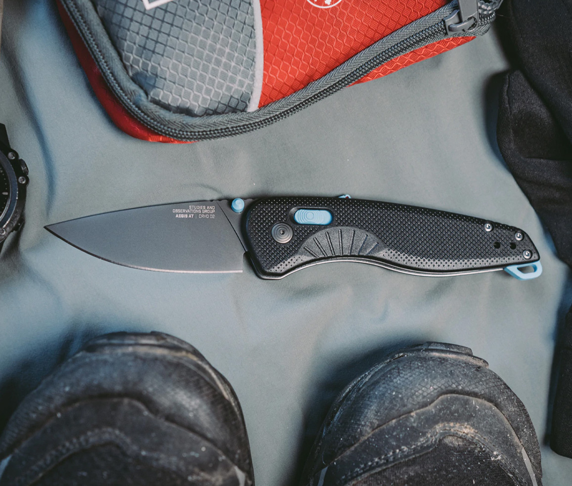 SOG Aegis AT Black+Cyan